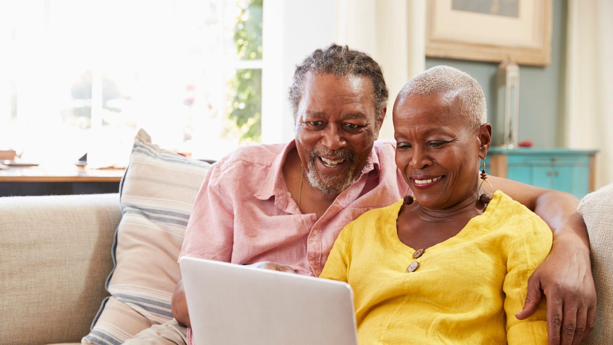 skynews-old-people-online-computer_4743787.jpg