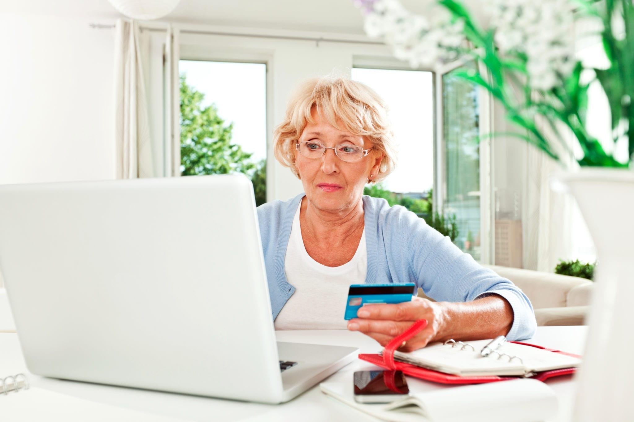 online-senior.jpg